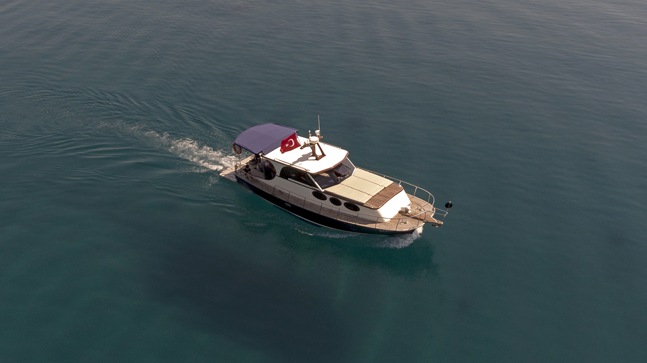 drone_view_yacht